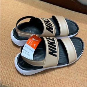 NWT Nike Tanjun Sandal